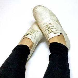 🔴 F21 SILVER SHIMMER BEIGE LACE UP OXFORD LOAFERS
